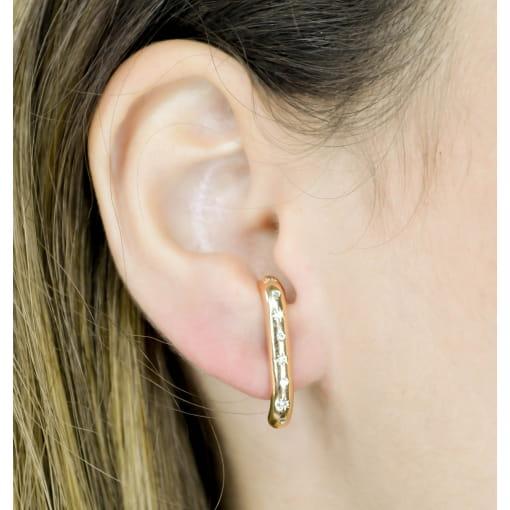BRINCO EAR HOOK CRAVEJADO COM ZIRCONIAS