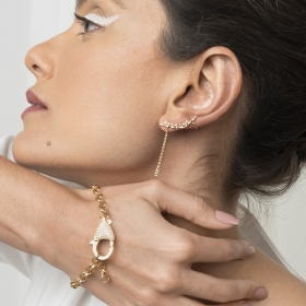 Brinco Ear Cuff com Zircônias Navetes Brancas Folheado a Ouro