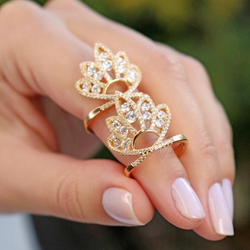 Anel Coroa Cravejado com Zircônias Brancas Folheado a Ouro
