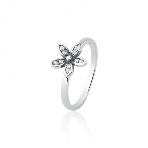 Anel com Flor Cravejada de Zircônias em Prata Envelhecida