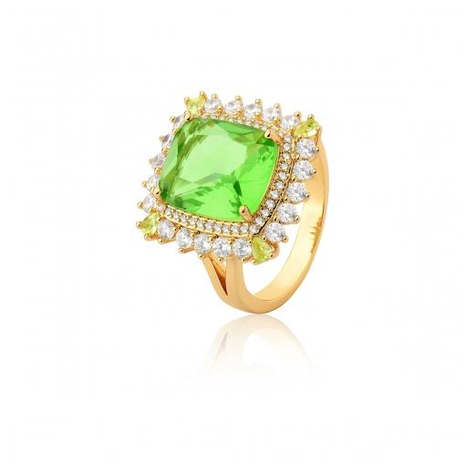 Anel com Cristal Retangular Verde Folheado a Ouro
