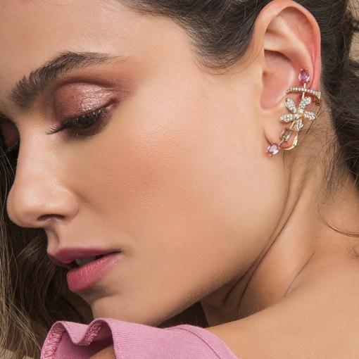 Brinco Ear Cuff com Flor e Cristais Coloridos Folheado a Ouro
