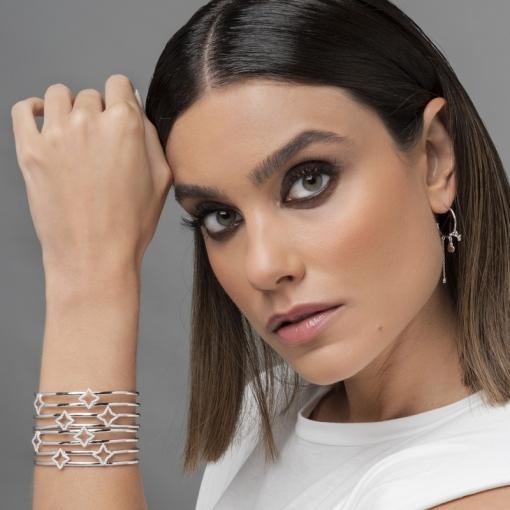 Bracelete Quatro Fileiras com Estrelas Brancas Folheado a Ródio