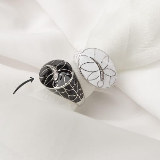 Anel Oval Esmaltado Preto com Imagem Libélula Folheado a Ródio
