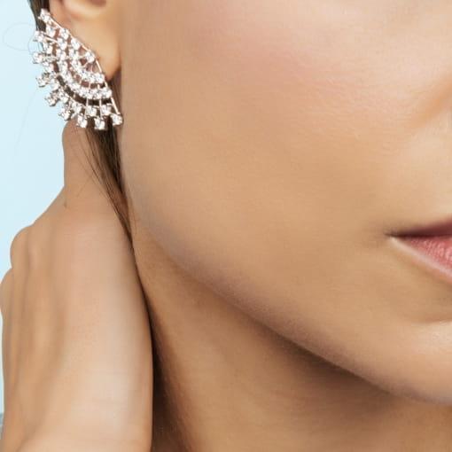 Brinco Ear Cuff de Leque com Zircônias Brancas Folheado a Ouro