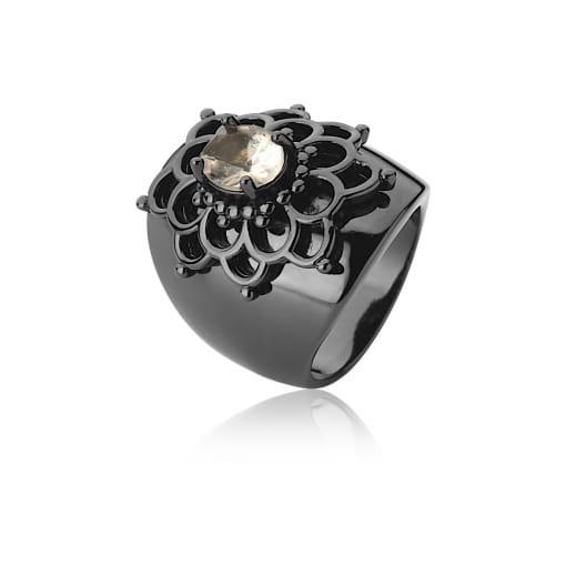 Anel Flor com Cristal Oval Morganita Banhado a Ródio Negro