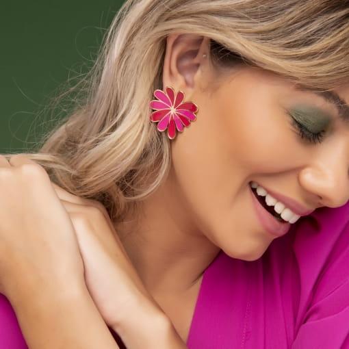 Brinco de Flor Curva Esmaltado Rosa e Vermelho Banhado a Ouro
