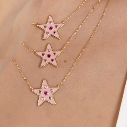Corrente com Pingente de Estrela Rosa Colorida Banhada a Ouro