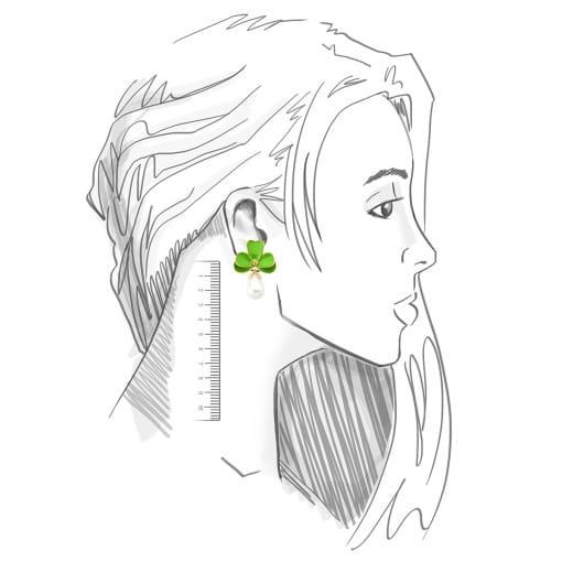 Brinco Flor Esmaltado Verde e Pérola em Gota Banhado a Ouro