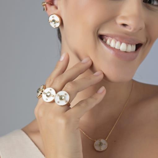 Piercing de Orelha com Cristal Prasiolita e Gota Banhado a Ouro