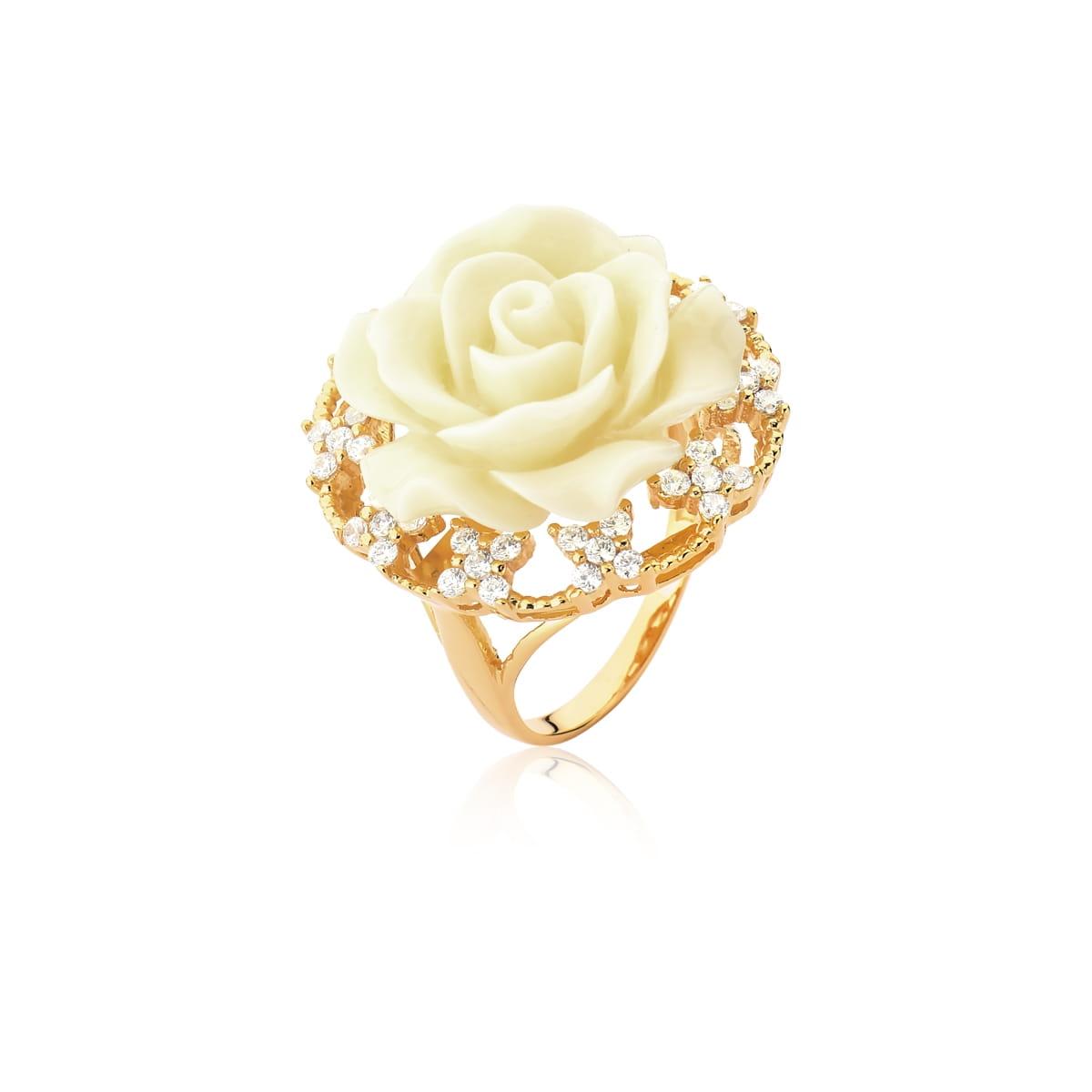 Anel Flor de Baquelite na Cor Marfim Folheado a Ouro