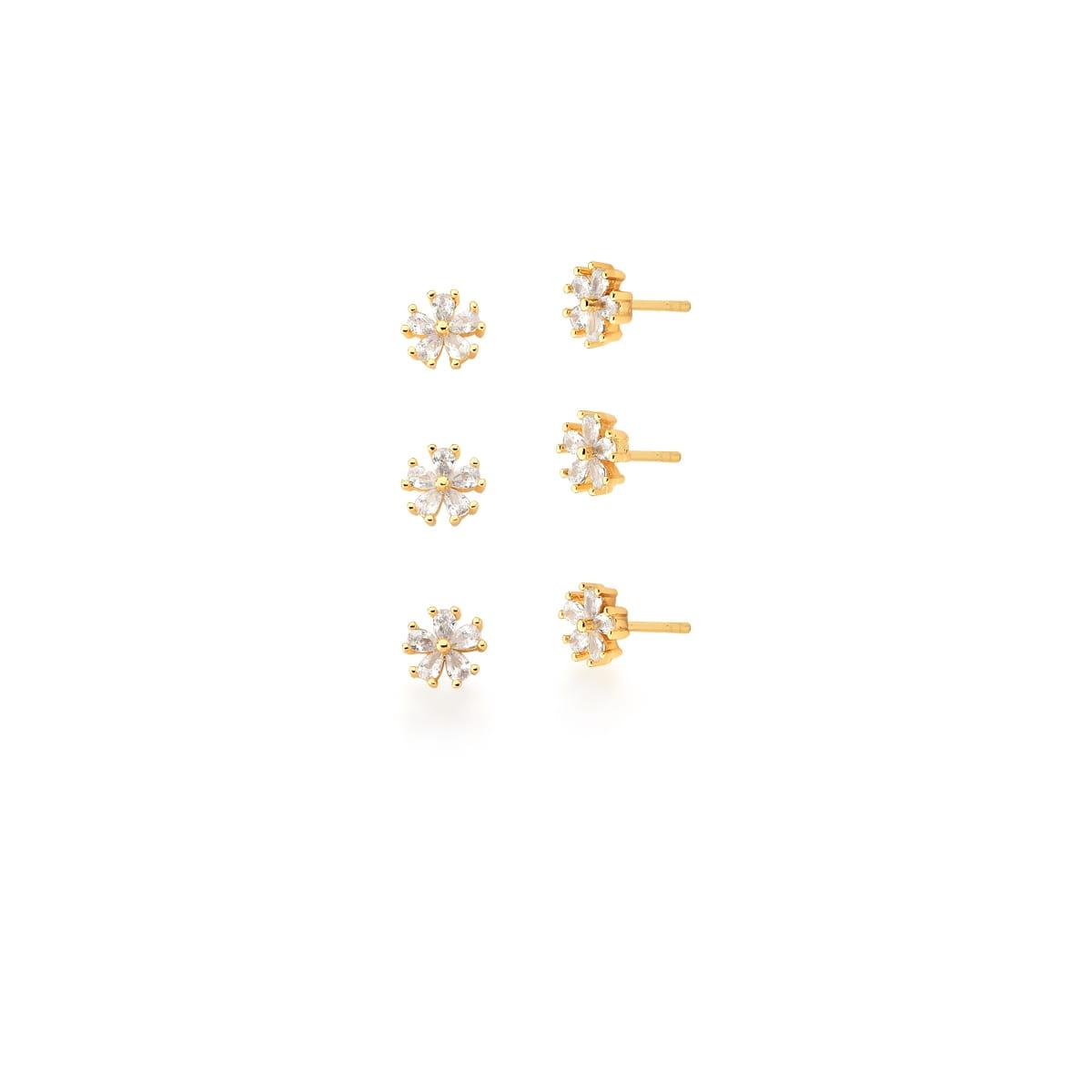 Kit Três Pares de Brincos de Flores Brancas Banhado a Ouro
